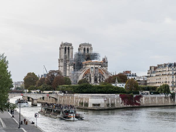 From the Pont de la Tournelle you can see Notre Dame and the damage done by the recent fire.